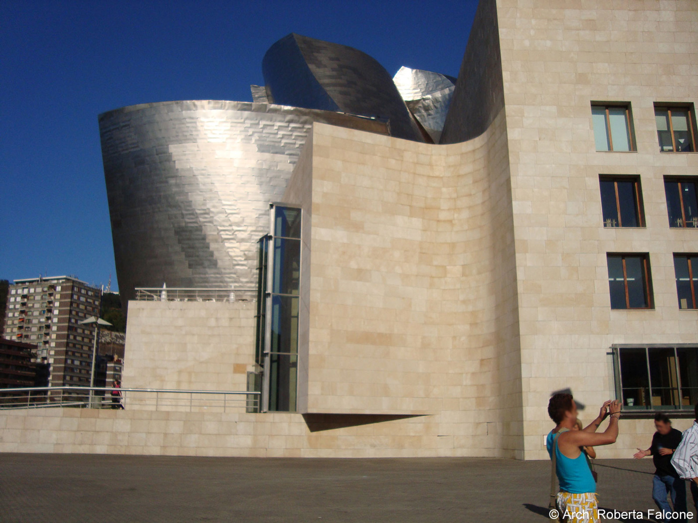 Guggenheim museum bilbao 60 for Architecture utopique 60