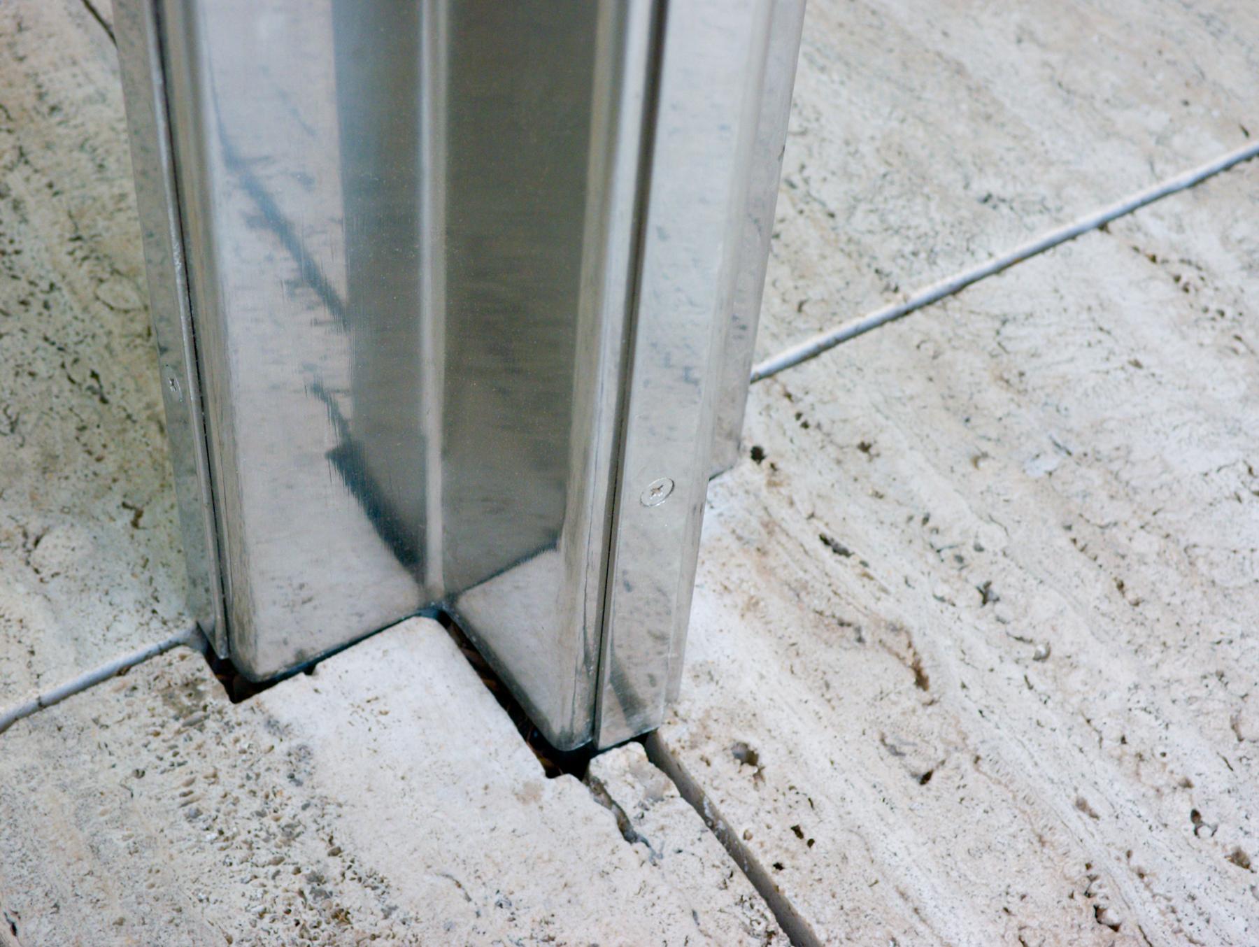 Barcelona pavilion interior - Pilastro In Acciaio Steel Column Detail Photos